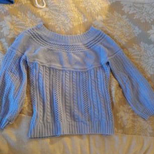 Ljusblå, somrig, stickad tröja