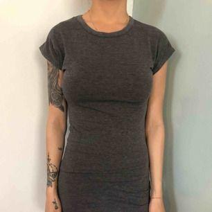 T-shirt klänning från boohoo