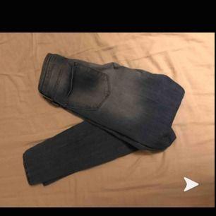 Ljusblå jeans storlek s  Köparen står för frakten!