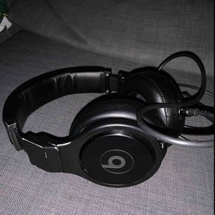 Beats By Dr. Dre (Infinity Black)  Bought for 4000SEK  used a lot but still work as brand new