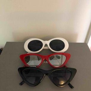 Alla dessa solglasögon är till salu - 50kr/st.