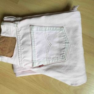 Levis vintage jeans. Passar en jeansstorlek 25