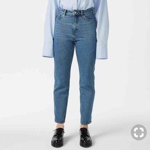 Moluna jeans i färgen true blue (utsåld) storlek 25