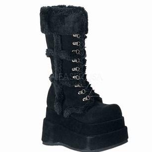 Säljer Mina älsklings bratz demonias som jag nu har kommit till insikt att d är för stora😭 Priset kmr inte sänkas då behåller jag hellre skorna 😊 möts i sthlm elr frakt 🌸