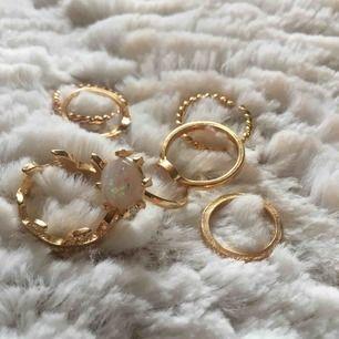 7st fina guldiga ringar som inte kommit till användning. 7st för 50kr eller 10kr st. Frakten ligger på 36 kronor 🥰