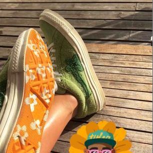 """Säljer mina Golf Le Fleurs sneakers. Gröna, orangea och gröna skosnören samt dustbag medföljer. Färgen """"jade lime""""."""