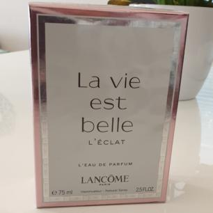 La vie est belle lancome parfume helt ny oöppnad 75ml  ny pris 1200kr