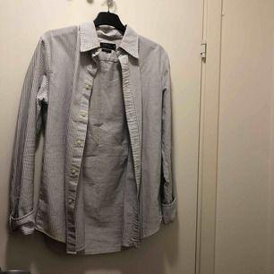 Skjorta från ralph lauren, använd 1 gång.