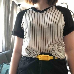 En tröja från wish som är skit snygggg men knappt använd. Man ser igenom lite men enligt mig blir det bara snyggttt!  Möts gärna upp men kan skicka också. Då delar vi på frakten :)