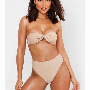 Helt oanvänd supersnygg bikini. Jag råkade köpa 2 likadana bikinis så denna är helt oanvänd!