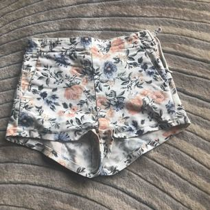 Väldigt fina shorts köpta för 150kr  Frakt 39kr