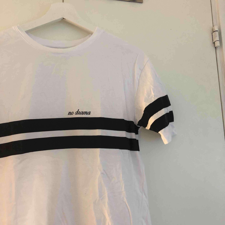 En basic tröja. Frakt ingår⚡️🤟🏼. Tröjor & Koftor.