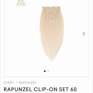 Rapunzel of Sweden löshår 40 cm långt i färgen #60 i riktigt människohår. Jättebra skick då det är endast använt 1 gång. Set med 7 st clips men det saknas en 1-clips då jag försökte färga det.  Nypris 990 kr nu men köpt för 1.299 kr