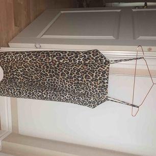 Leopard klänning från Zara, knappt använd