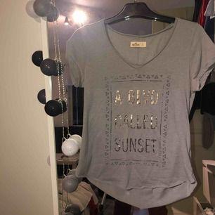 Hollister T-shirt. Frakt ingår
