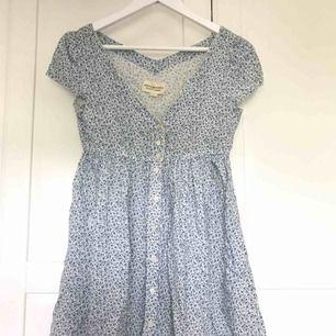 klänning från ralph lauren denim&supply. väldigt kort på mig som är 1.75, passar nog bättre om man är lite kortare