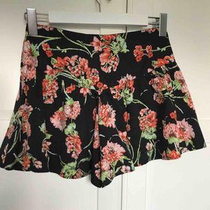 shorts men som sitter som en kjol
