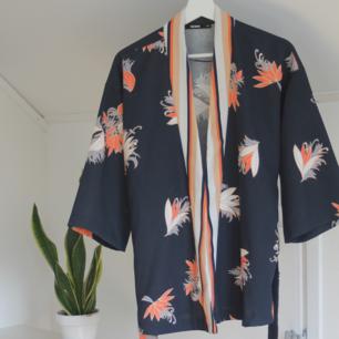 Jättefin kimono från Bik Bok! Endast använd två gånger!