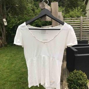 T-shirt från odd Molly (orginalpris: 400)  Storlek: 1 ( XS)  Använd fåtal gånger, bra skick.