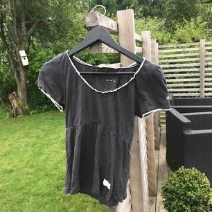 T-shirt från odd Molly (orginalpris: 400 kr)  Storlek: 1 (XS)   Använd fåtal gånger, bra skick.