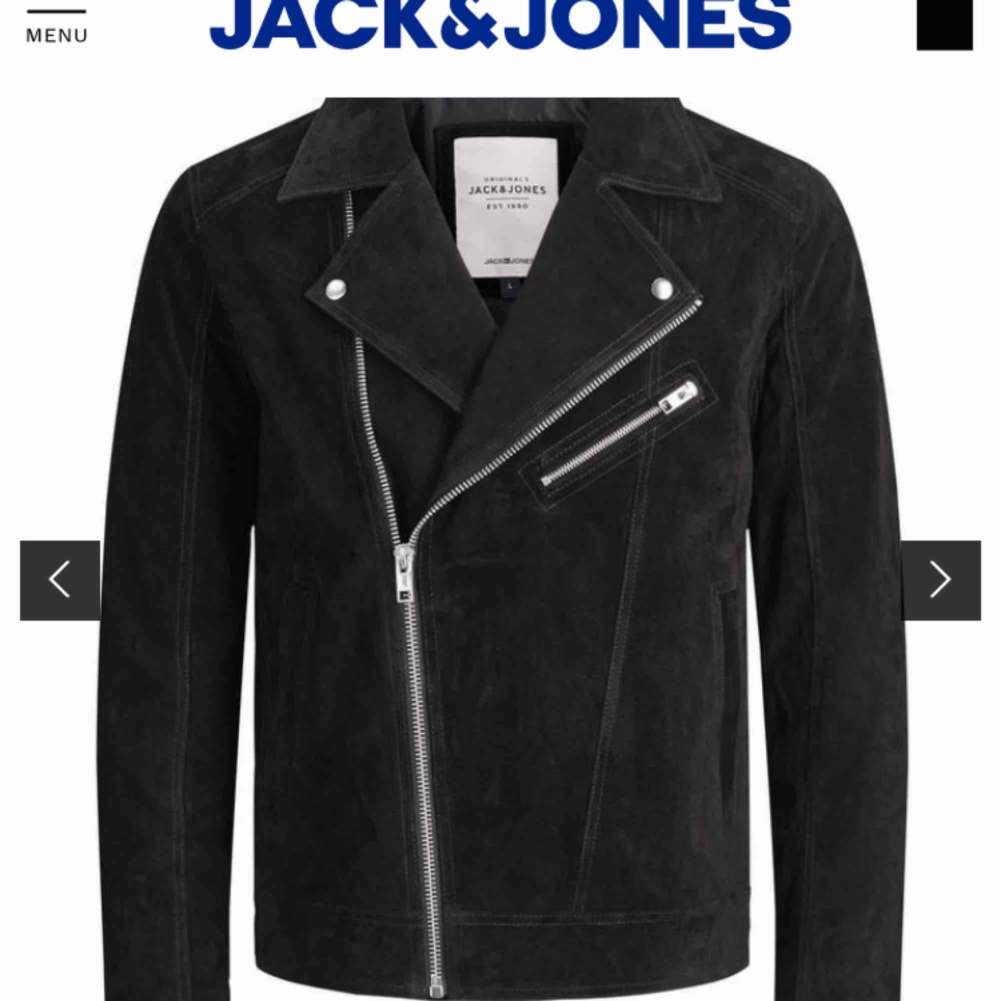 Ny jacka i äkta mocka från Jack&Jones i storlek S Använd cirka 2-3 gånger pga liten storlek. Nypris 1399kr. Jackor.