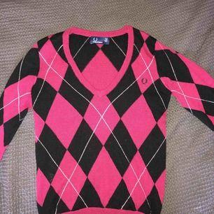 Rutig Fred Perry tröja i ull, storlek small 👾 Använt skick