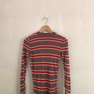 Randig tröja från HM, 100% viskos
