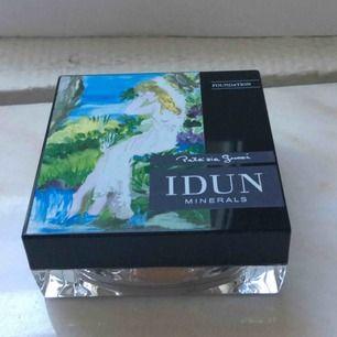 Mineral puder foundation i det bästa märket IDUN. Ger guden en len och felfri hud.  Säljs till ett billigt pris. Passa på!