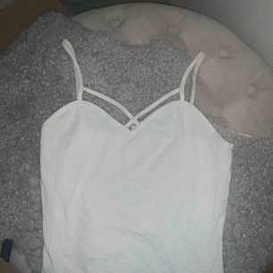 säljer detta fina linne köpt utomlands! 🥳