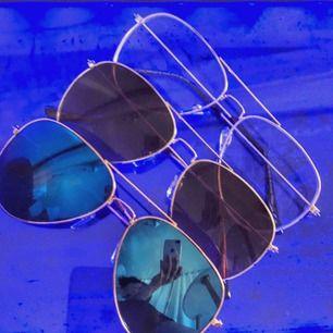 •50kr per solglasögon  •2 styck/ 80kr •3 styck/100kr