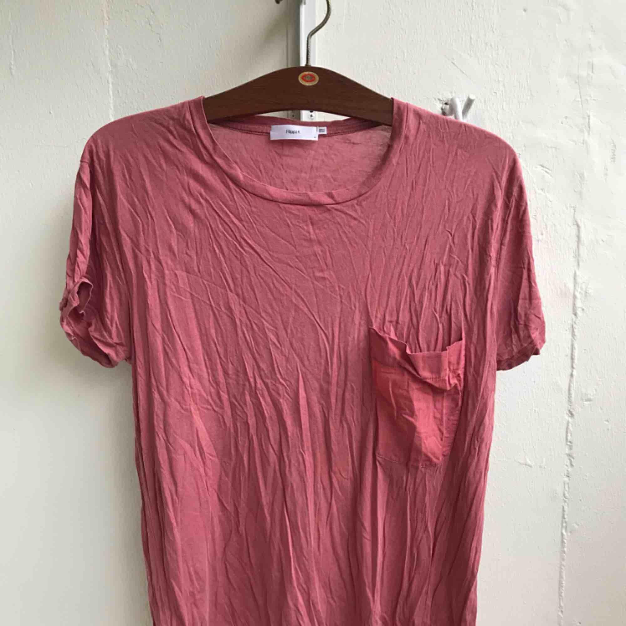 T-shirt från Filippa K. T-shirts.