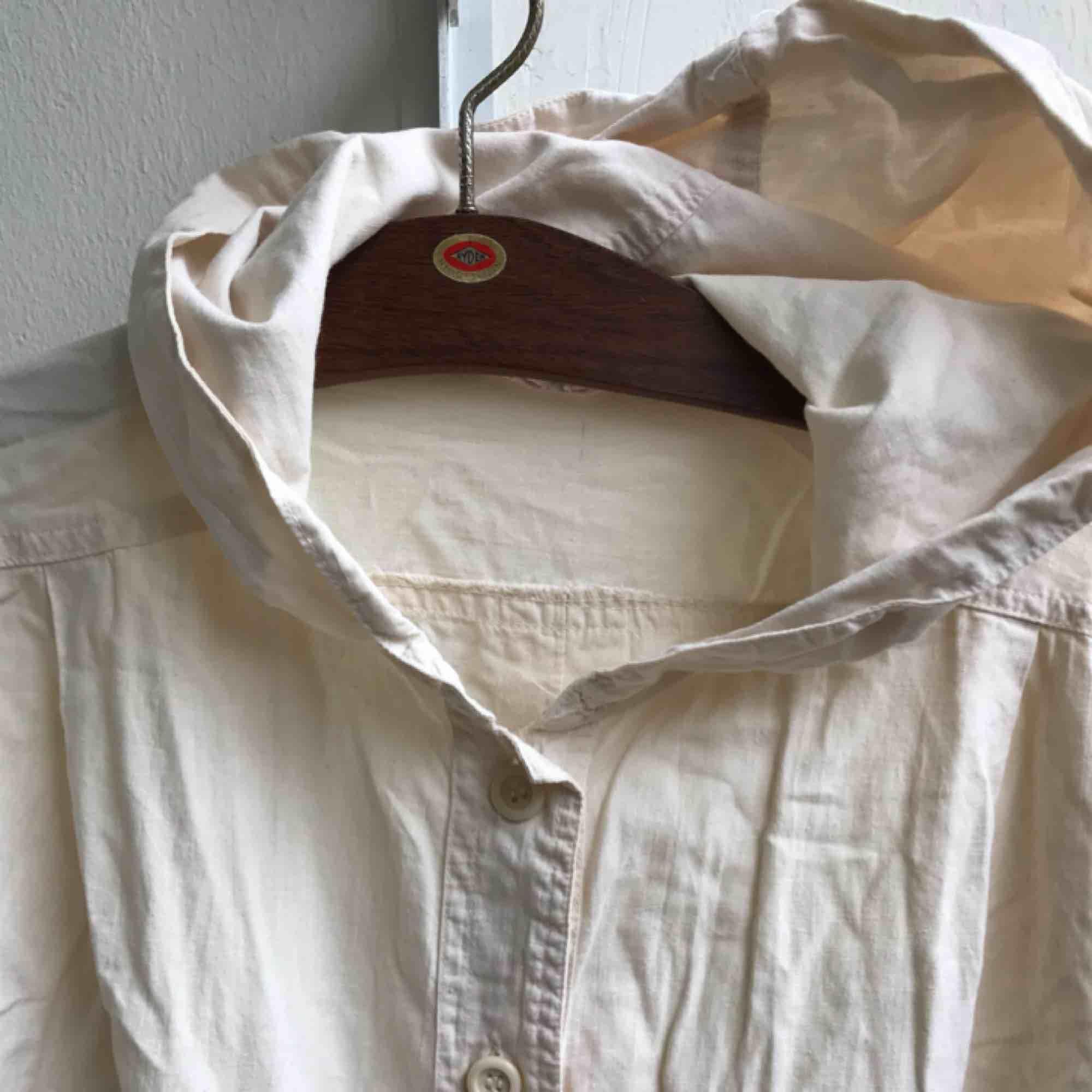 Skjorta med huva från Indiska.. Skjortor.
