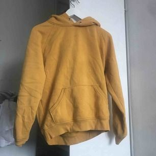Gul hoodie