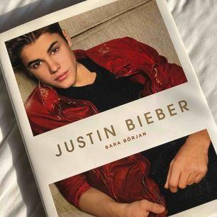 """Justin biebers bok """"bara början"""" Endast bläddrat igenom"""