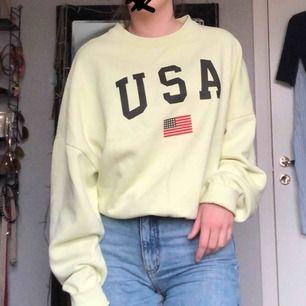 Supermysig sweatshirt från carlings , stay. Använd men i bra skick. Frakt tillkommer:)