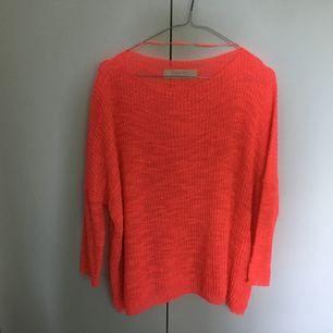 Oanvänd neonrosa finstickad tröja (se bild 3). Från Zara, kostade 399:-, säljer för halva priset!
