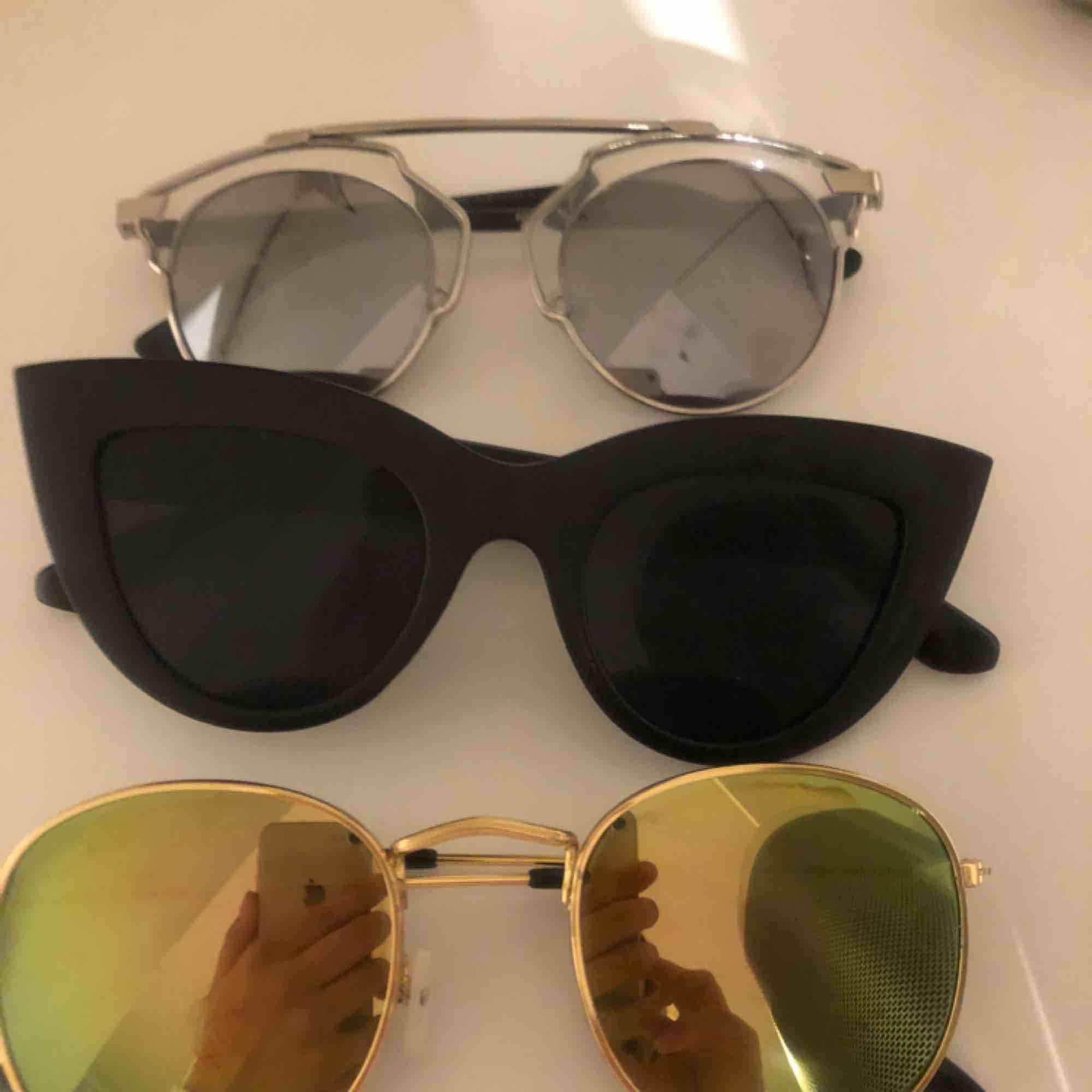 solglasögon, 50kr st / 100kr för alla. Accessoarer.