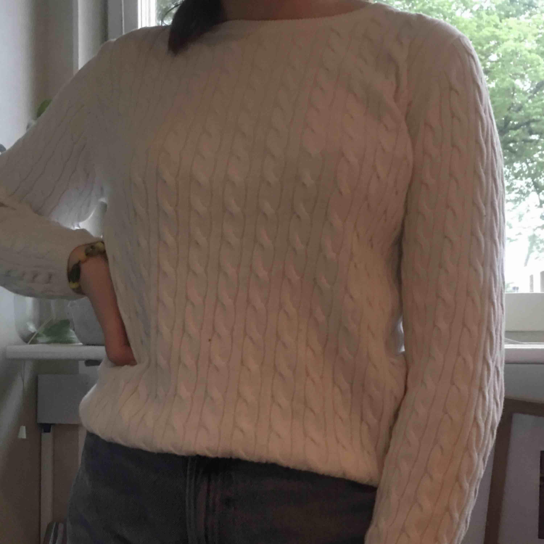 """Super söt tröja med """"randigt"""" mönster♥️ frakt tillkommer på 39kr. Stickat."""