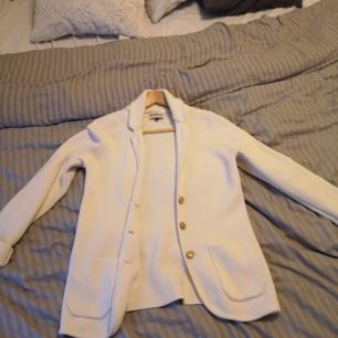 Hårt stickad tröja