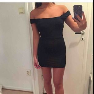 Fin klänning med öppen rygg