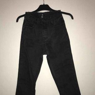 Skit snygga jeans köpta från asos men tyvärr för små på mig. Aldrig använda
