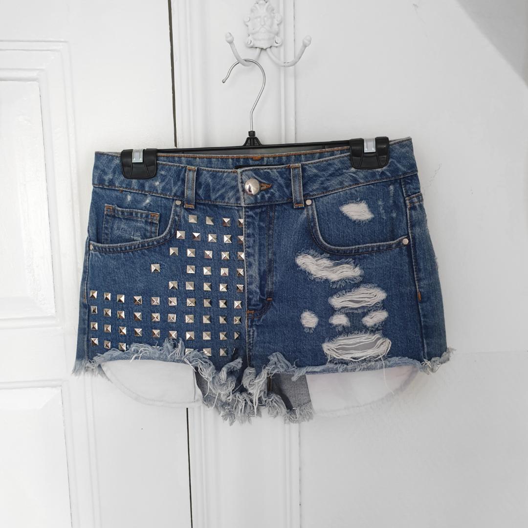 Jeansshorts i nyskick . Shorts.