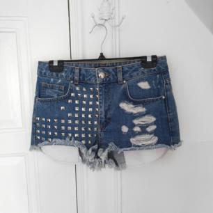 Jeansshorts i nyskick