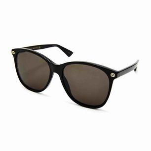 Säljer mina nya Gucci solglasögon