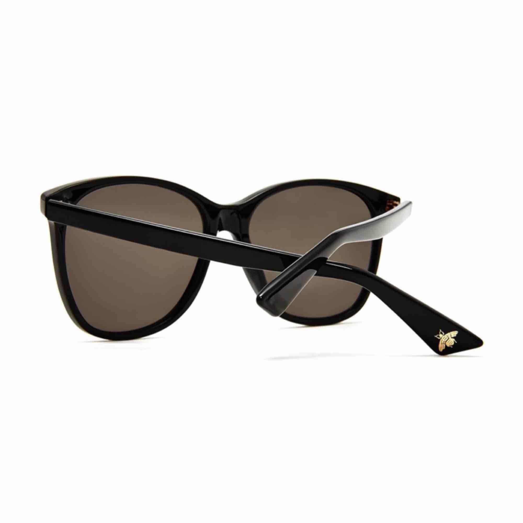 Säljer mina nya Gucci solglasögon . Accessoarer.