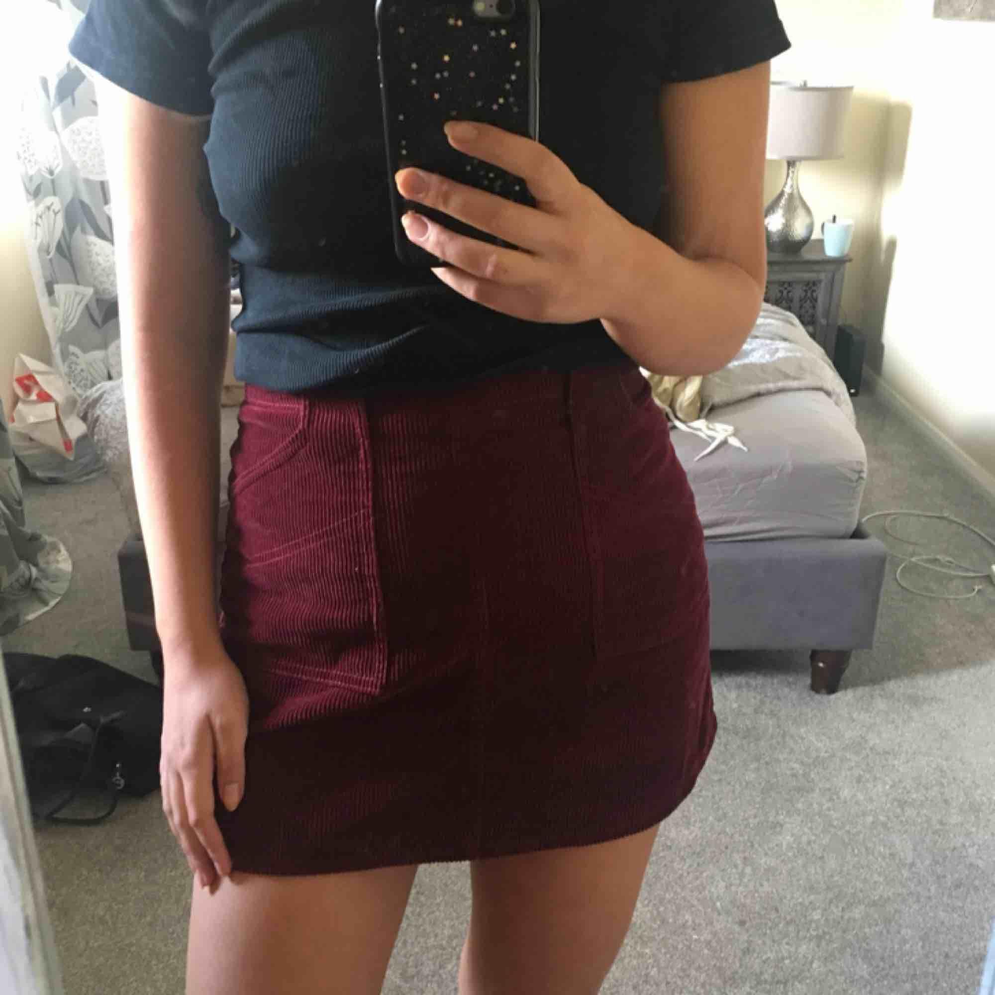 Manchester kjol från Urban Outfitters🍒. Kjolar.