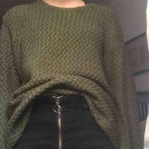 Super skön och snygg stickad tröja, har används 1 gång.