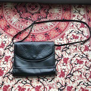 Vintage svart classic väska