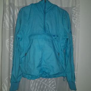 Fodrad vind/regn jacka från Bikbok