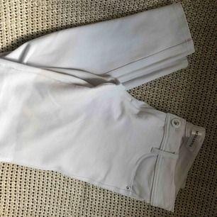 Helt nya vita jeans/leggings